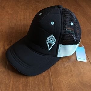 Ivivva Sun's Out Hat Girls NWT